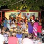 20130817 Intercambio cultural Noche Campesina con Larra(2)